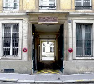 P1110441_Paris_VII_rue_de_Bellechasse_n°15_rwk
